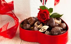 Коробка конфет на годовщину